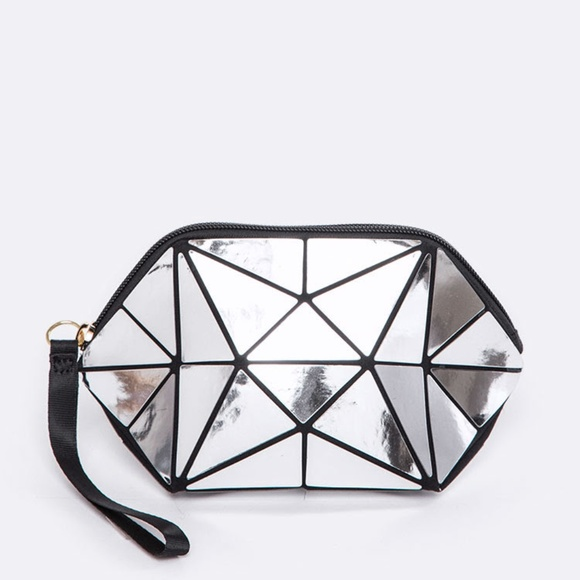 Boutique Handbags - NEW! Geometric Foldable Prism Bag